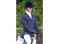 """*NEARLY NEW* SHIRES Cotswold Ladies 32"""" Size 8 - Navy Smart Show Showing Jacket & Matching Tie"""