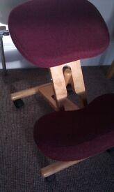 Ergonomic kneeling orthopedic chair