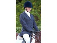 """*NEARLY NEW* SHIRES Cotswold Ladies 32"""" / Size 8 - Navy Smart Show Showing Jacket & Matching Tie"""