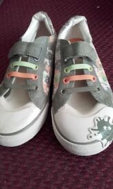New Clarks Childs Doodle Canvas Shoes 11.5G