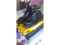 Mens size 8 blavk caterpilla boots
