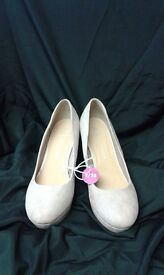WEDGED SHOES WIDE FITTING - SIZE 5 - NWT