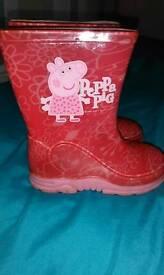 Girls peppa pig wellies, size 5.