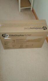 "100% New unopened HP Desktop (T4R68ET#ABU) & HP 24"" monitor (Elitedisplay E242)"