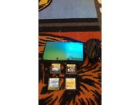 Nintendo 3ds + 4 games & charger missing stylus