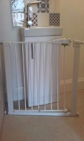 Lindam baby gate in good condition