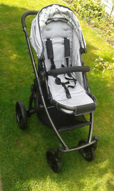 uppababy vista black/silver+ carrycot/accessories+car seat adaptors-only avail until 7th Dec