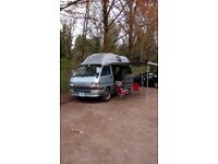 1993 Toyota Hiace Super GL 4 WD 2.8 Diesel Automatic with Overdrive High-Top 4 Berth