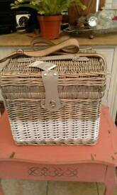 New Wicker Picnic Basket for two