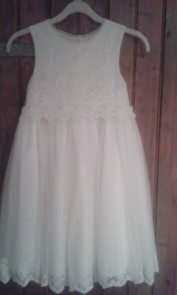 Girls bridesmaid/party dress age 7-8