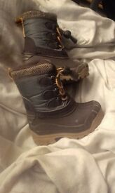 Size 4 horse rideing style wellys