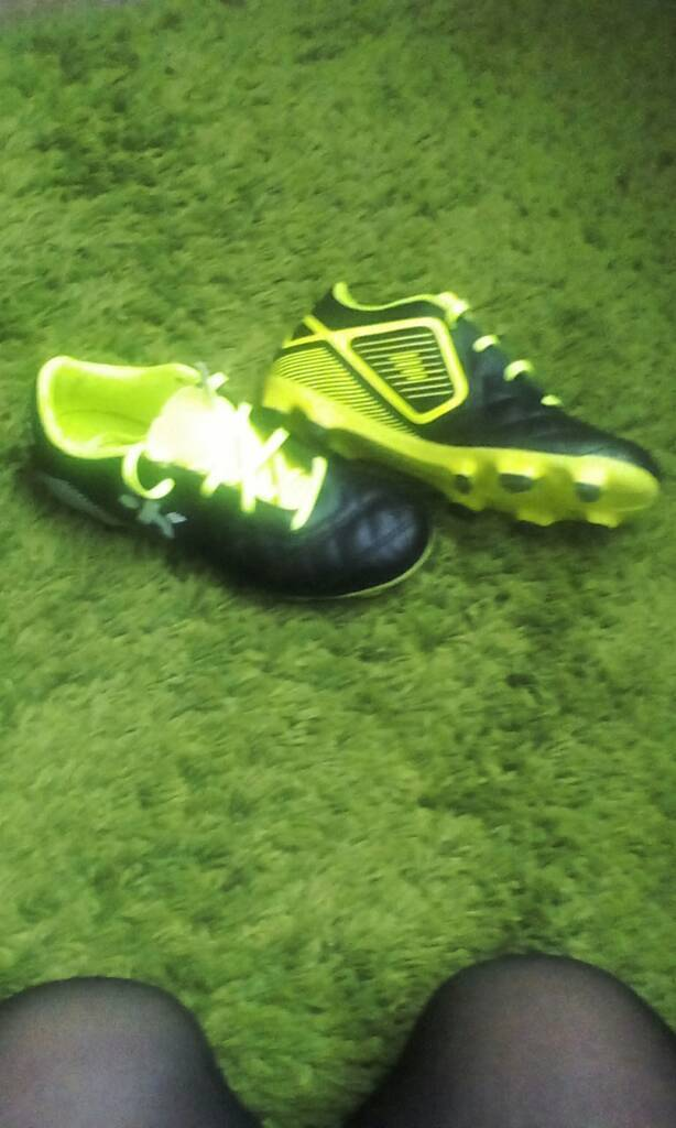 Rugby boots size 1