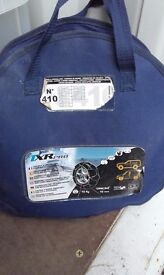 USED TXR PRO SNOW CHAINS FOR FOUR WHEEL DRIVE AND LIGHT INDUSTRIAL VEHICLES