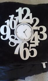 Cream wall clock (battery operated) - REDUCED