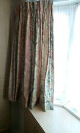 Double bedspread+ matching curtains