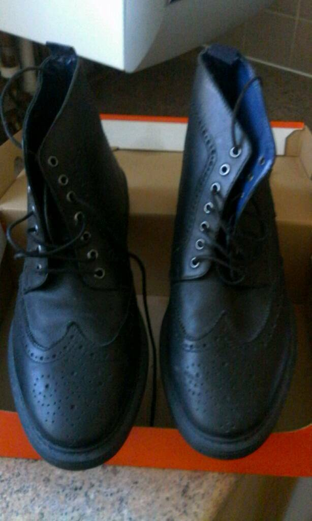 Black brogue boots,size 8