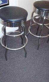 2 bar stool in great condition