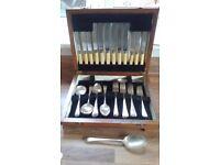 Cutlery box set: