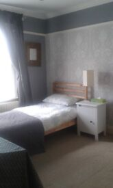 Bright, large single room to rent in a three bed detached house near Heathrow Airport and BP