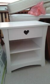 Set of girl's bedroom furniture in white