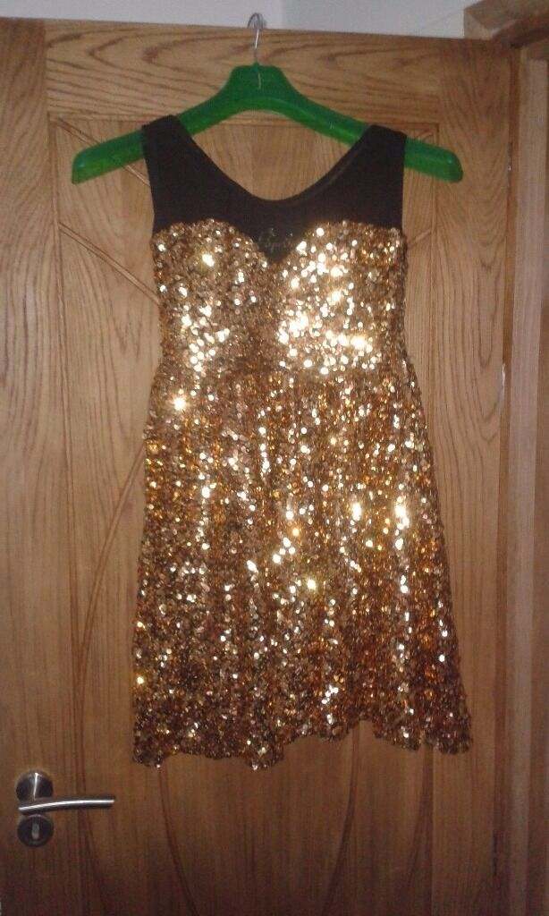 Party dress for salein Southsea, HampshireGumtree - Beautiful dress for sale worn once , size 10 i am sale it on behalf of my doughtier