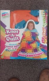 BNIB CHILDRENS KNOT A QUILT ACTIVITY TOY