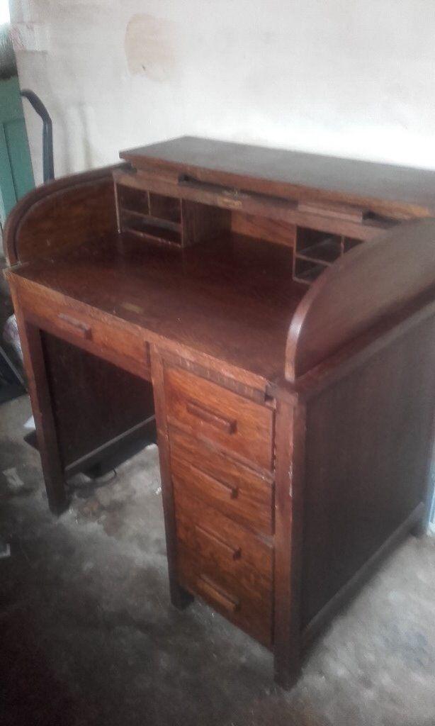 Antique roll top desk with original key