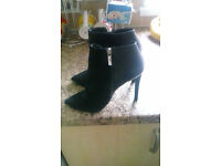 KAREN MILLEN Black Suede Leather Boots Silver Trim Size 5 Worn Once