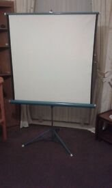 BOXED VINTAGE PORTABLE PROJECTOR SCREEN 1970'S