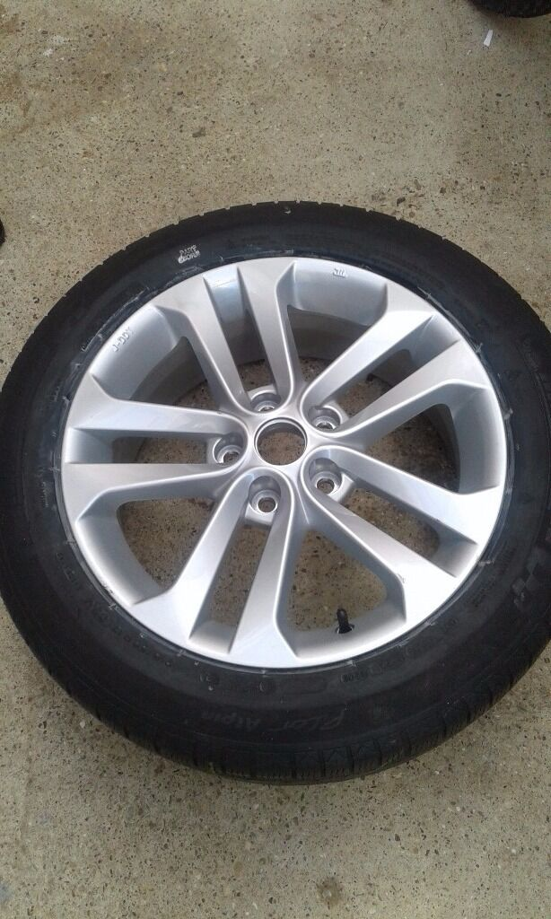 Nissan alloy wheel