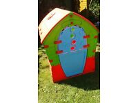 Kids playhouse in very good condition