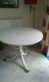 Shabby chic pedsal round table on casters and four chairs