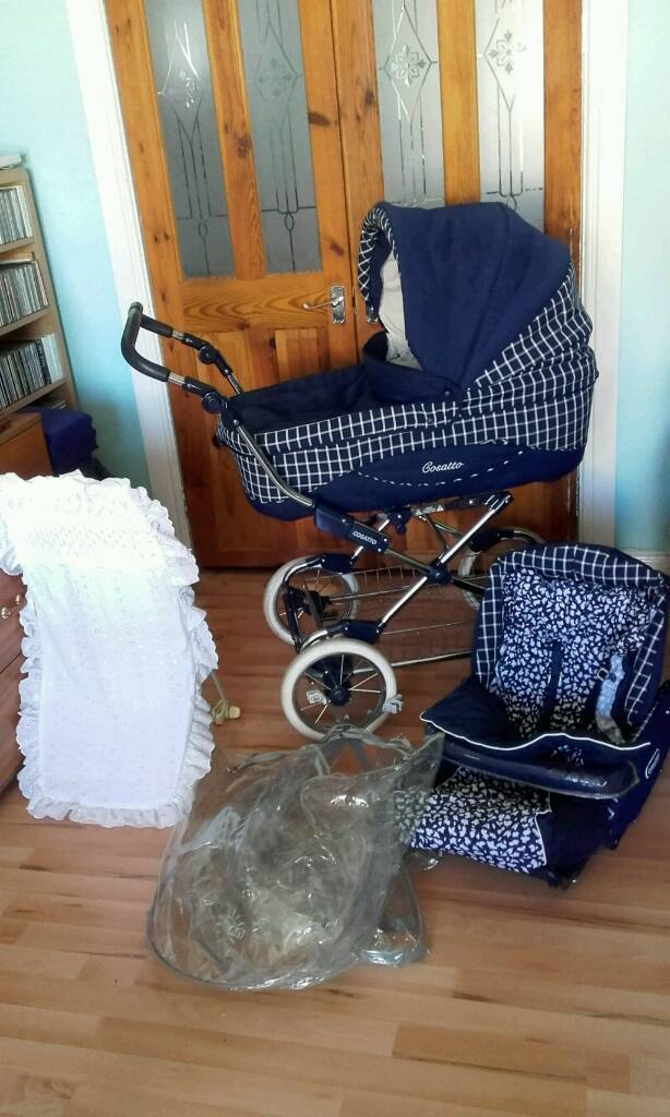 New condition Cosatto 2 in 1 vintage style bouncy pram / pushchair with extras
