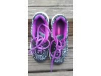 Girls sketchers size 3