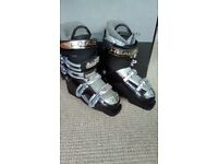 Head Ski Boots Large Fit Size 7.5 - 8 Used Once