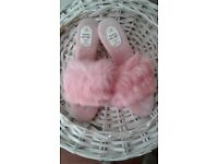 Perfect for Valentine! Pink fluffy luxury slippers