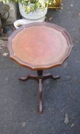 Vintage wine table, tripod table, lamp table, round side/ turned side table, pedestal end table