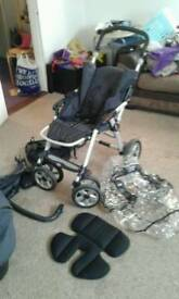URGENTLY NEED GONE Carry cot and pram