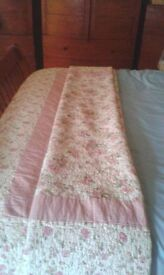 Country Cottage Bed Throw