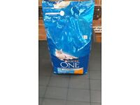 Purina One adult dry cat food Chicken and whole grains 6kg bag.
