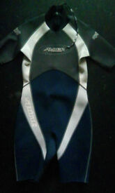 Alder titanium L size short wetsuit (new condition)