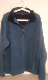L Active Turquoise Black Fleece