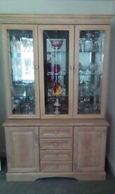 White wased oak display cabinet