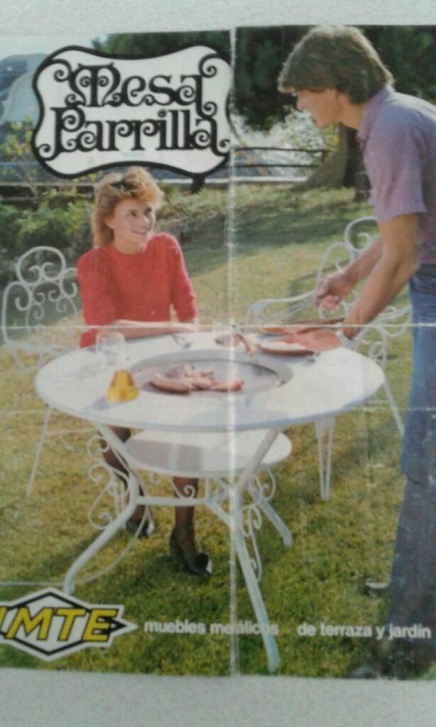 Cooking round garden table