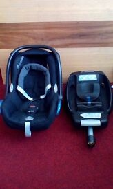 Maxi-Cosi Cabriofix baby car seat & Maxi-Cosi Easy Fix Isofix car seat base.