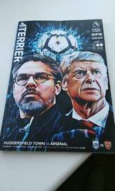 Arsene wenger signed program