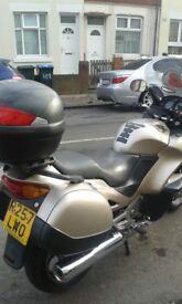 Honda deauville650 cruiser
