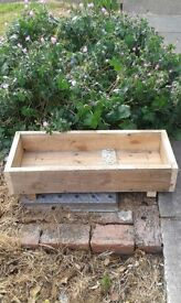 RECLAIMED WOOD BOX / PLANTER