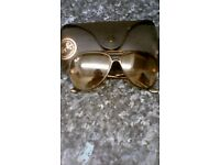 Ray Bans Women Sunglasses with leather case. *REAL*