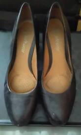 Clark's ladies shoes - size 8